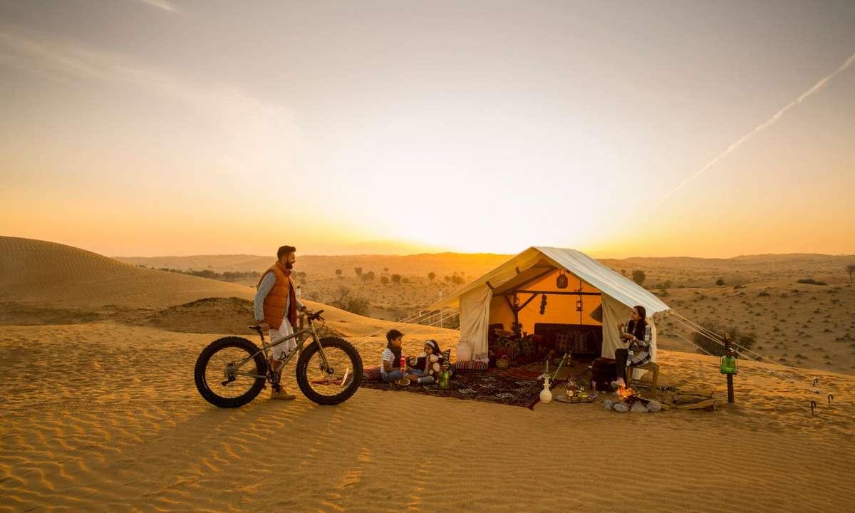 Camping in the desert (Ras Al Khaimah Tourist Board)