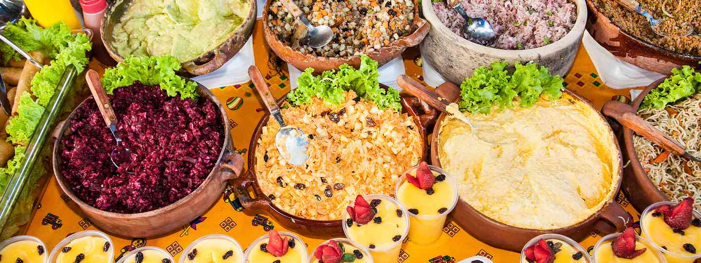 Traditional local food on the streets of Guatemala (Shutterstock)