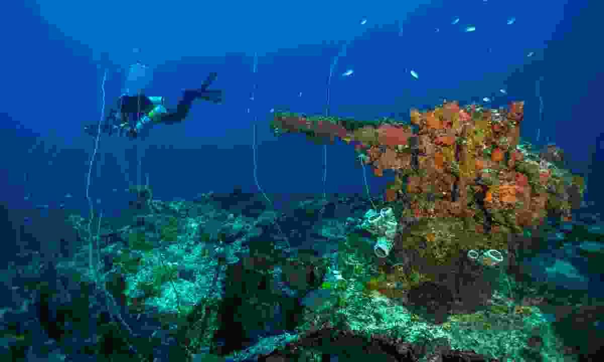 Wreck diving in Truk Lagoon (Dive Worldwide)