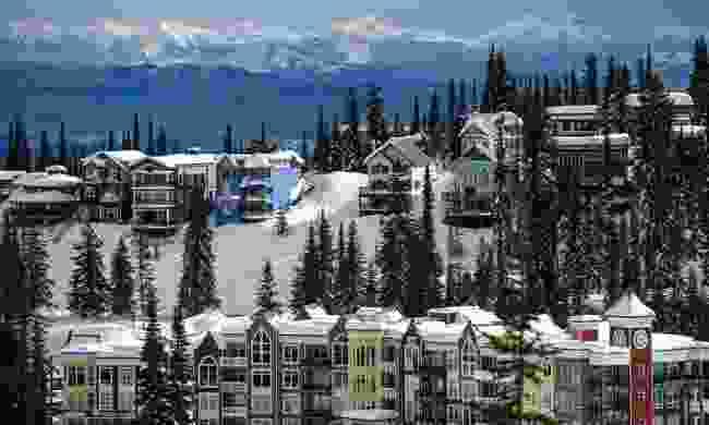 Chalets at SilverStar Mountain Resort (Destination BC/Andrew Strain)