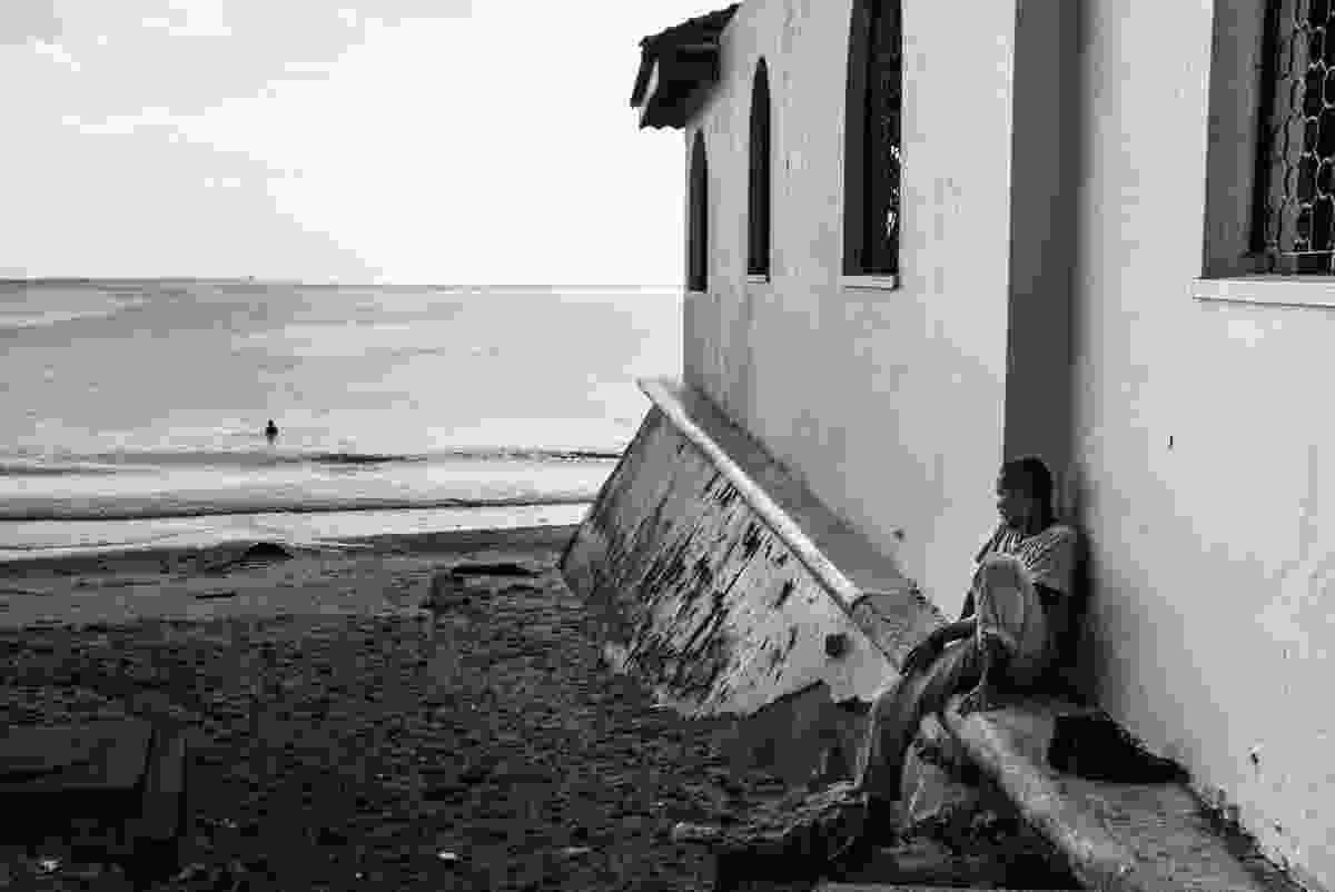Watching the sea in Zanzibar (Derren Brown)