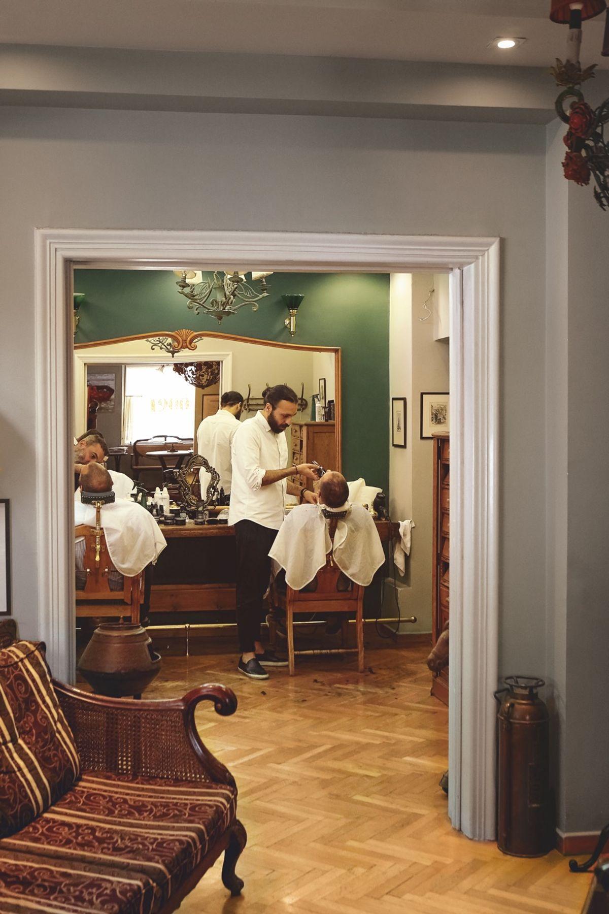 c183ac98db 1900 The Barber Shop (Yannis Varouhakis)