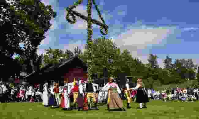 Midsummer dance in Torstuna, Sweden (Dreamstime)