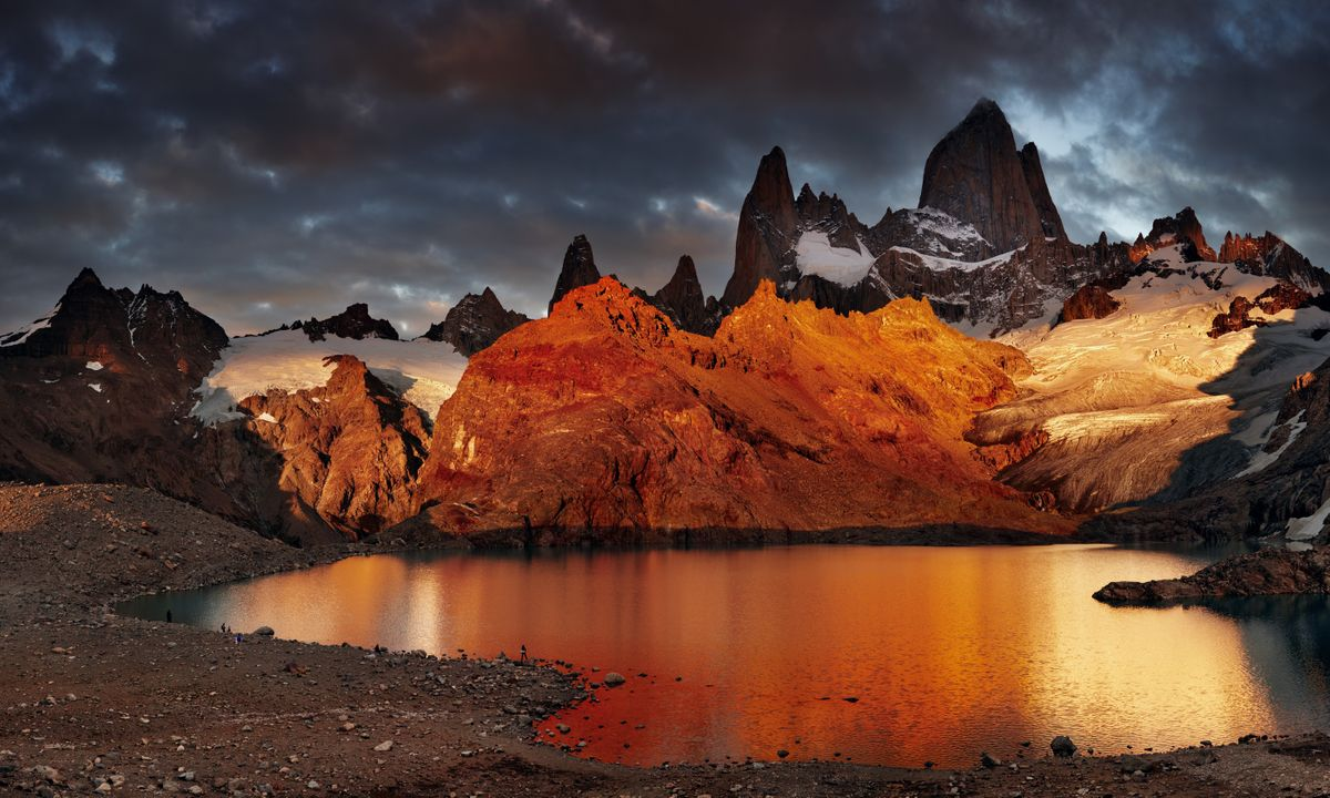 Sunrise over Mount Fitz Roy (Dreamstime)