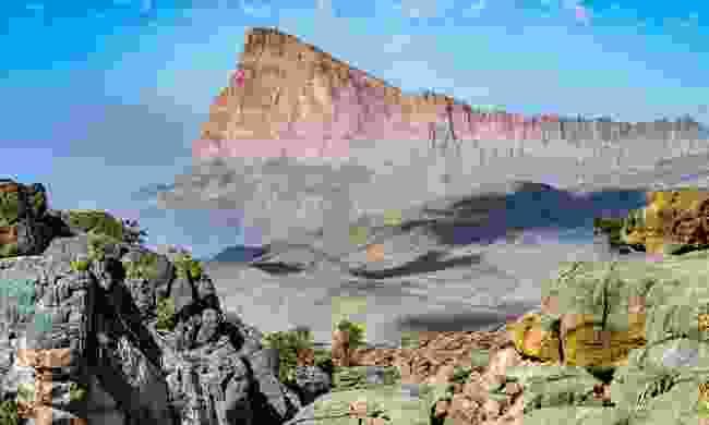 Mountain road to Jebel Shams (Dreamstime)