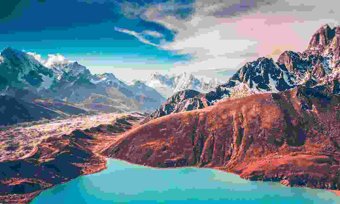 The view from Gokyo Lake (Dreamstime)