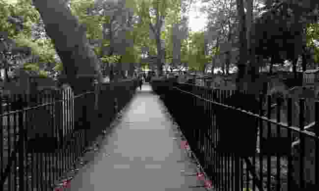 Bunhill fields (Peter Moore)