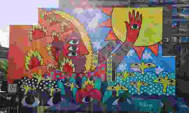 Ricardo Cavolo's design featured in Montréal's Mural Festival (Davi Tohinnou)
