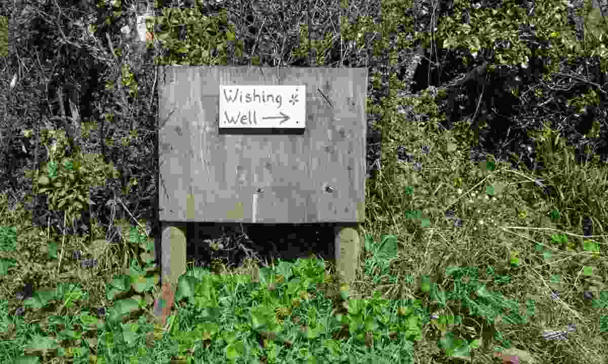 Sign pointing to Madron Well (Shutterstock)