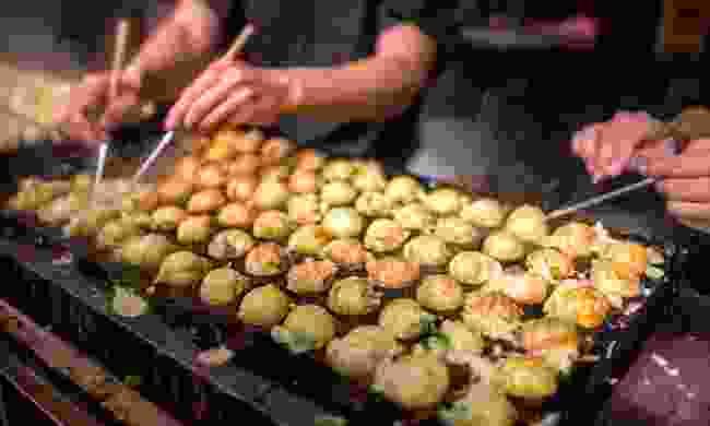 Cooking takoyaki (Shutterstock)