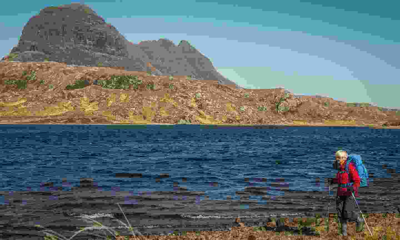 Walking through Scotland's extraordinary landscapes (Arrow Films)