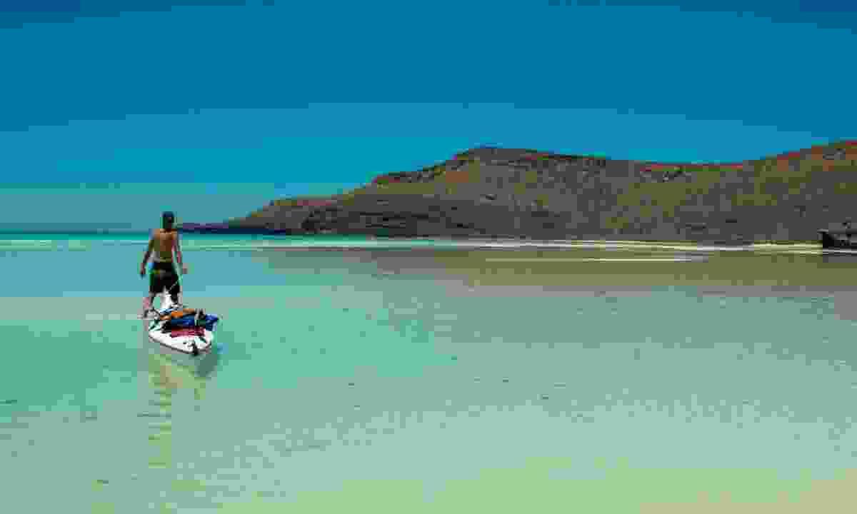 Kayaking in Baja (Dreamstime)