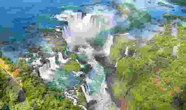 Take a virtual tour of the mighty Iguazu Falls (Shutterstock)