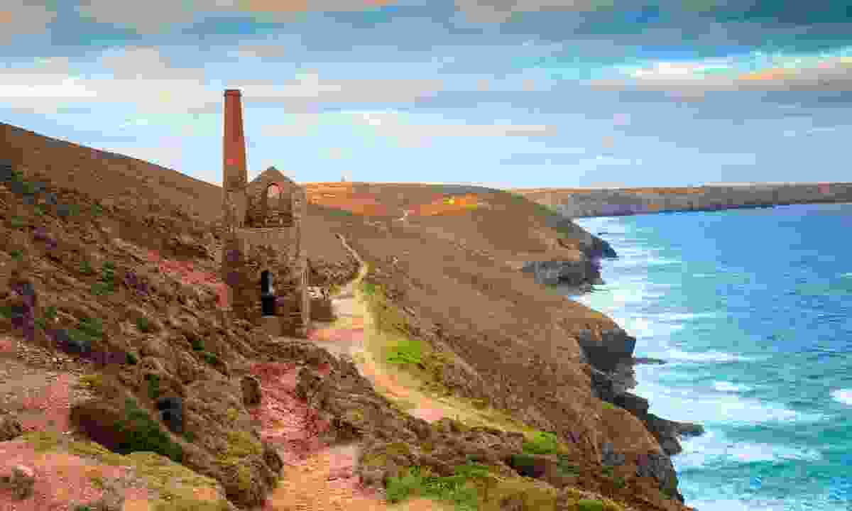 Feel the freedom of travelling under you own steam on a walk along the South West Coast Path (Shutterstock)