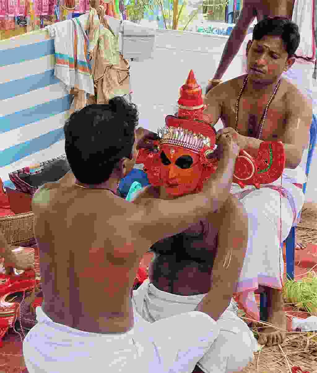 Preparing for Theyyam (Martin Symington)