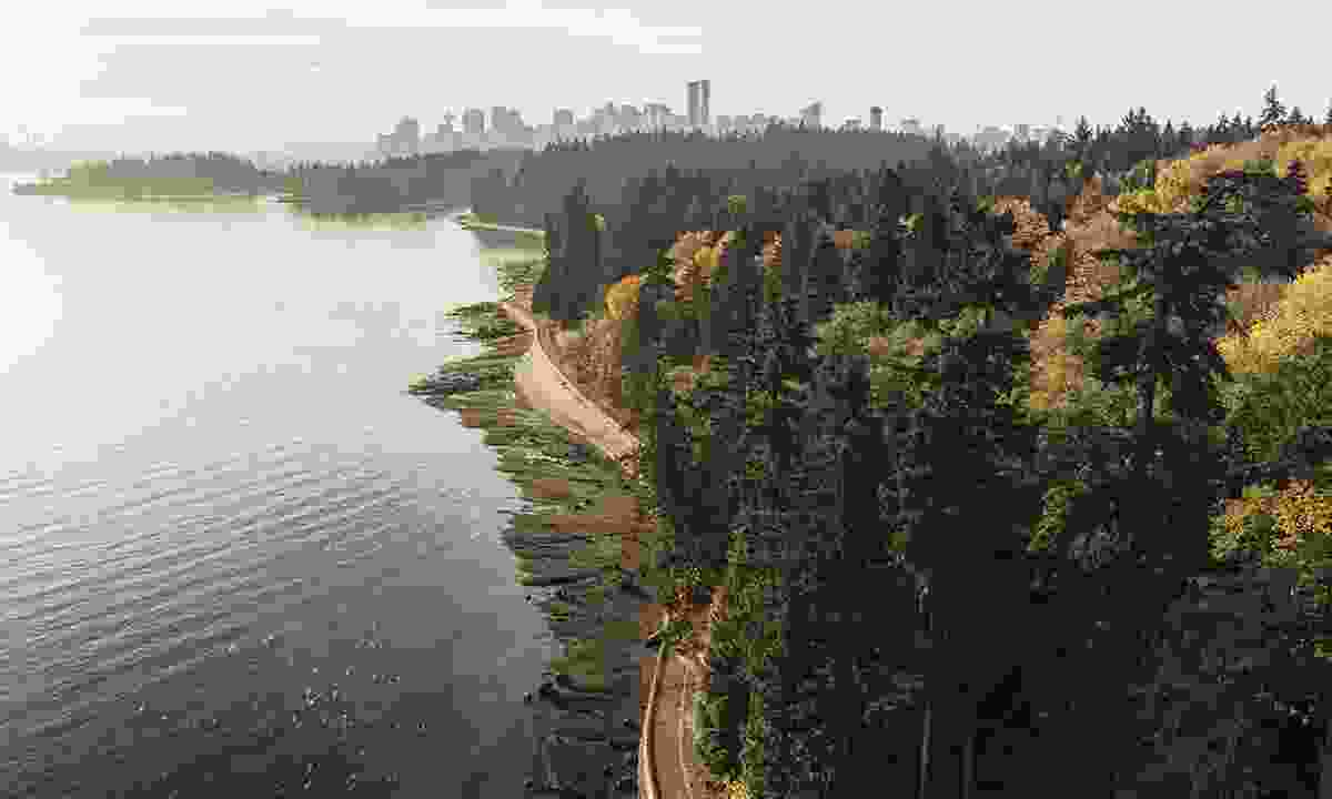Stanley Park seawall with Downtown Vancouver (Destination British Columbia, Jordan Manley)