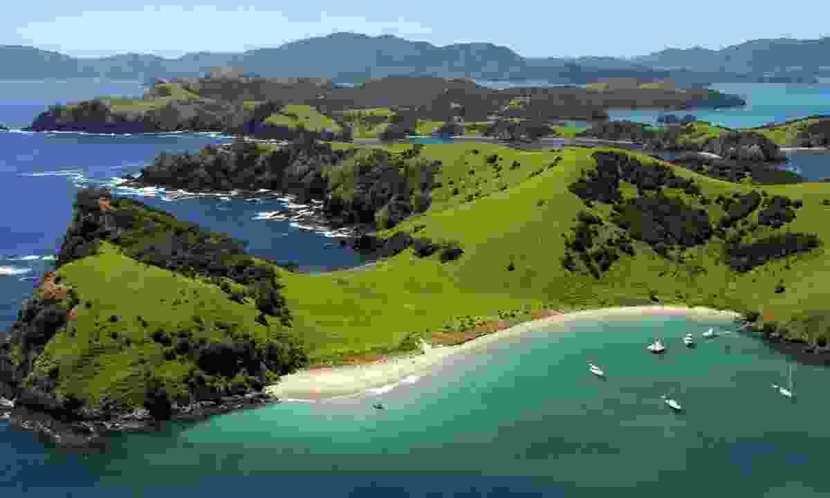 Waewaetorea Passage in the Bay of Islands (Dreamstime)