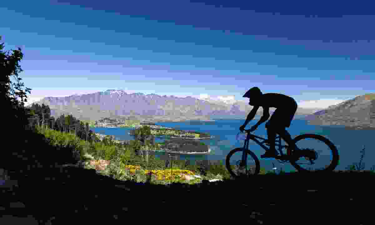 Mountain bike rider in Queenstown (Dreamstime)