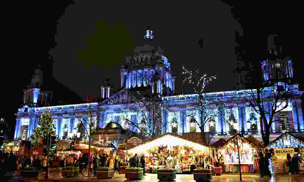 Belfast City Hall and Christmas market (Dreamstime)