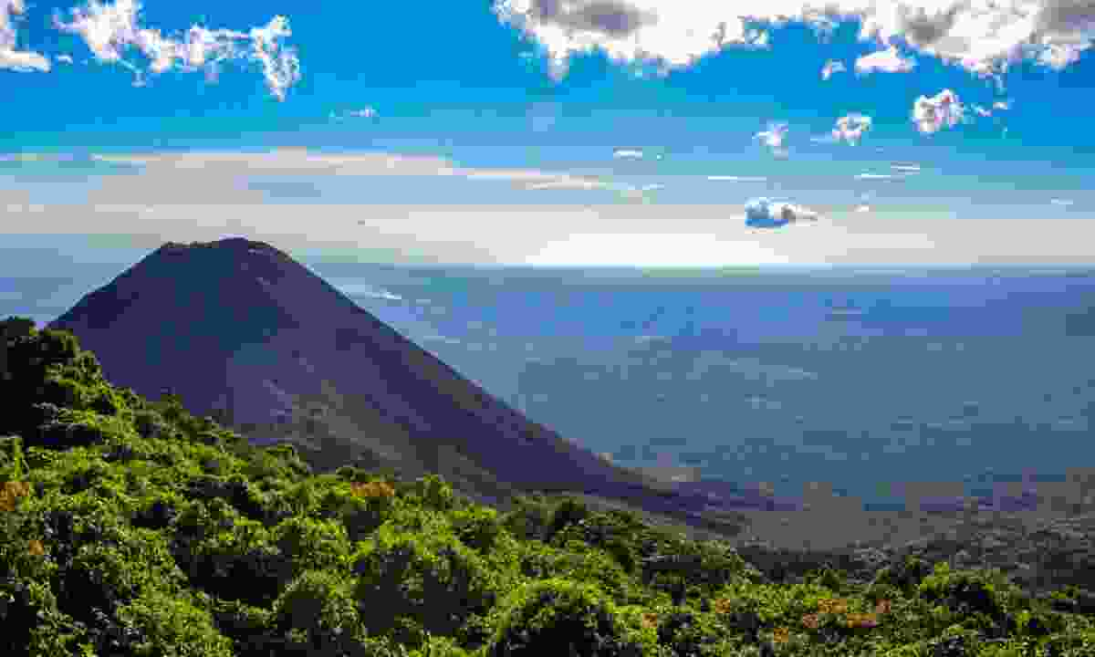 Landscape of rural El Salvador (Dreamstime)