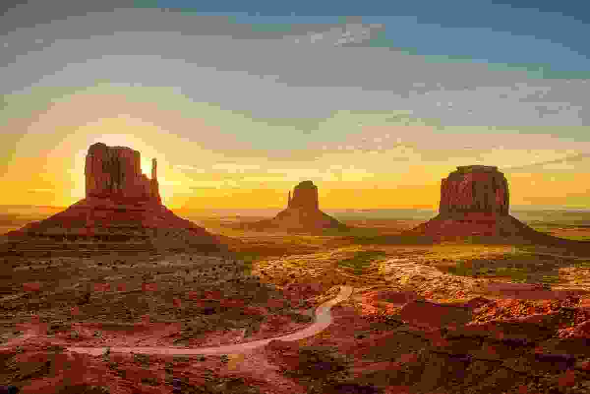 Monument Valley (Shutterstock)