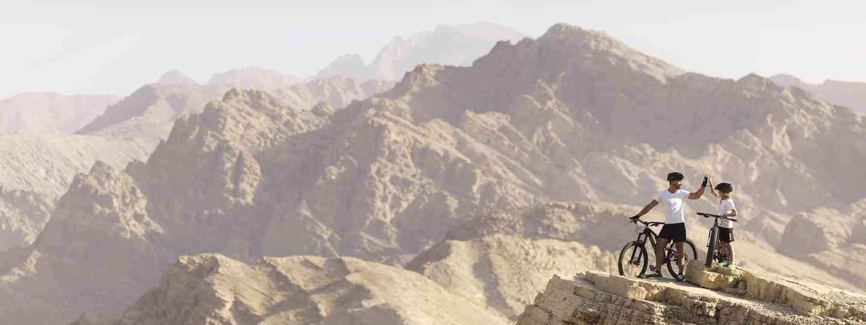 Mountain biking in the Ru'us Al Jibal range (Ras Al Khaimah Tourist Board)