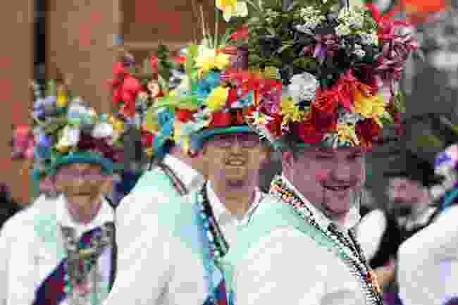 Traditional Morris Dancers in Stratford-Upon-Avon (Shutterstock)
