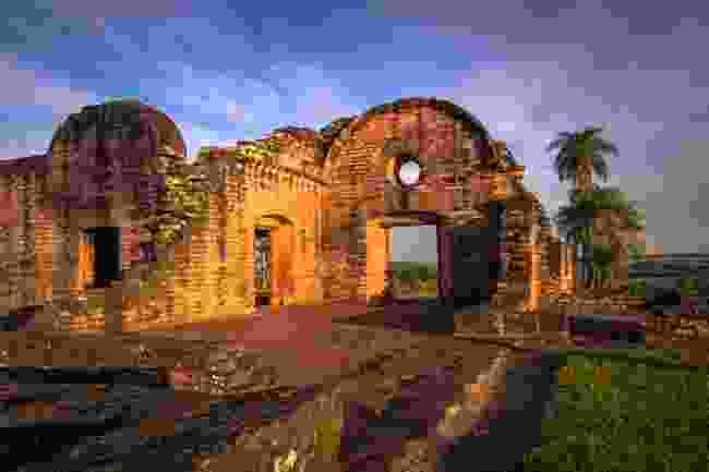 The ruins of Jesus de Tavarangue, Paraguay (Shutterstock)
