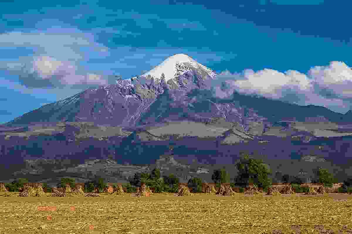 The impressive Orizaba Volcano in Mexico (Photo © Adrian Rohnfelder. All rights reserved)
