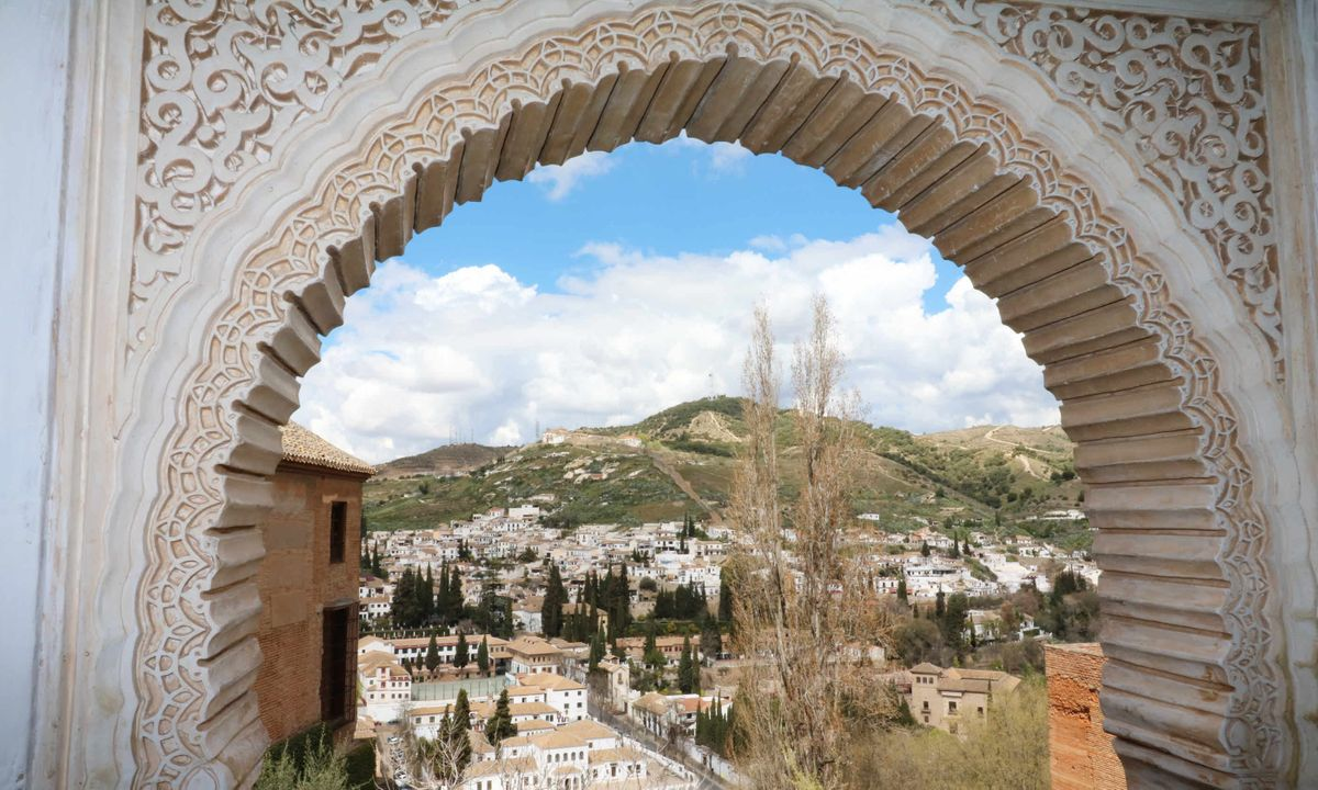 Beautiful architecture in the Alhambra (Martin Symington)