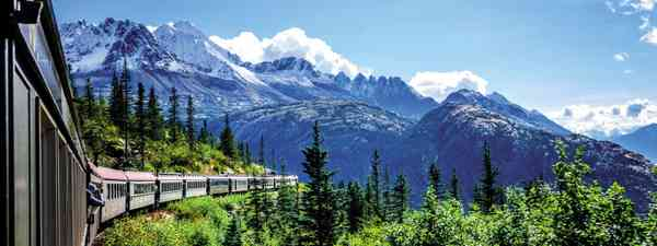 The White Pass and Yukon railroad (Dreamstime)