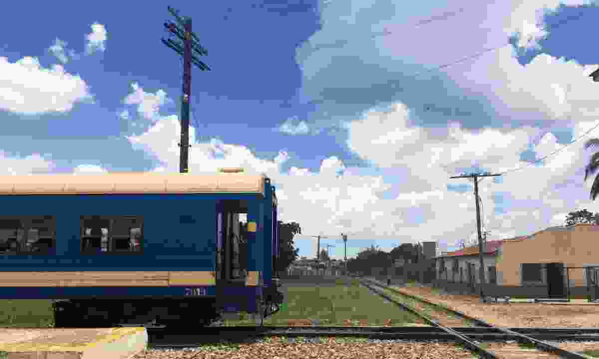 Train leaving Ciego de Avila station (Claire Boobbyer)