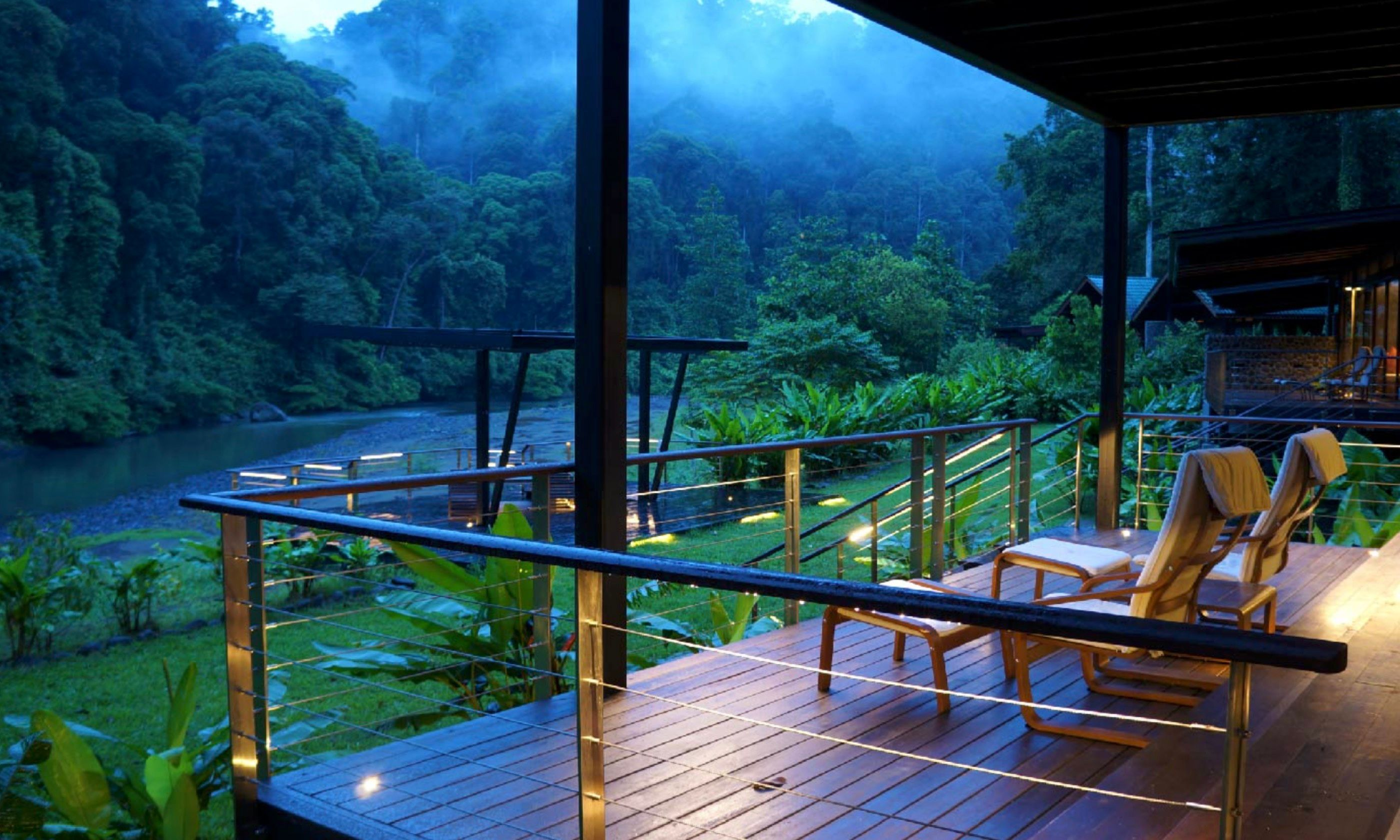 A lodge overlooking Danum Valley (Borneo Rainforest Lodge)