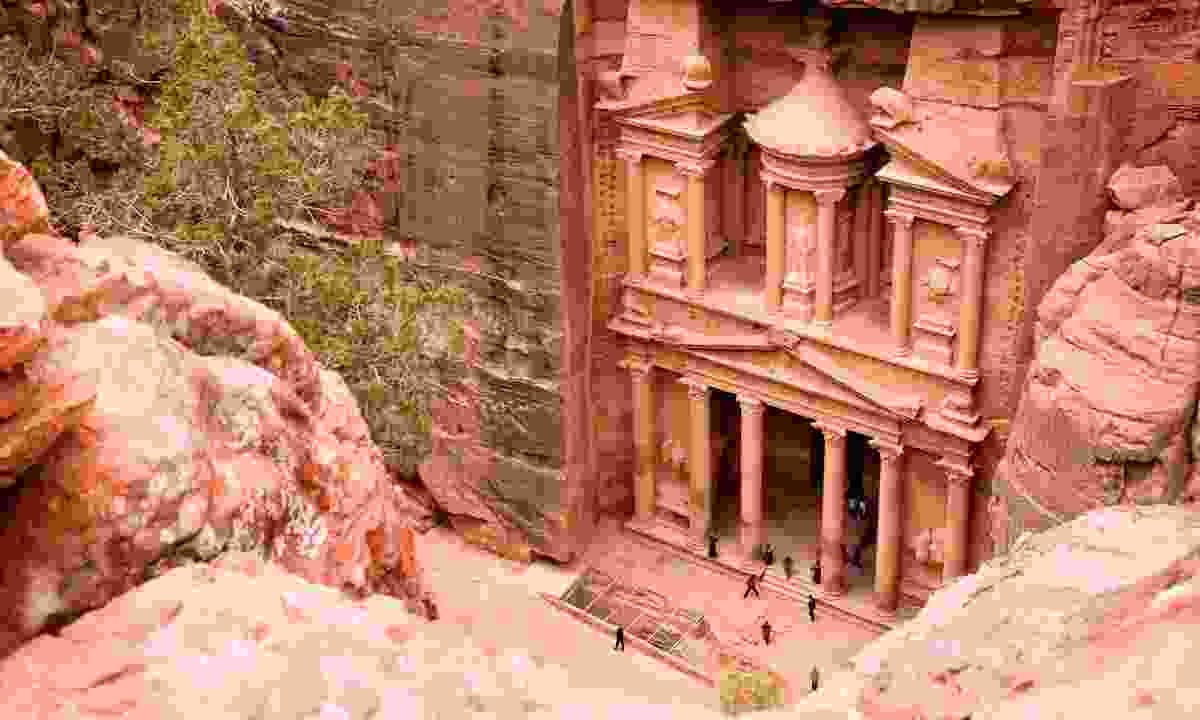 The Treasury in Petra (Dreamstime)
