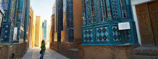 Shah i Zinda in Samarkand at sunrise (Dreamstime)