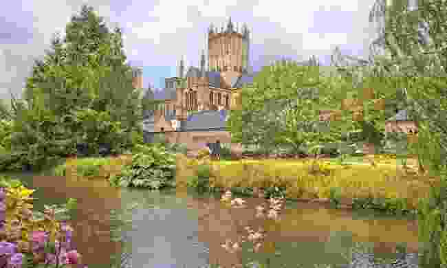 Wells Cathedral on a sunny day (Dreamstime)
