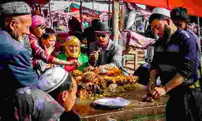 Lunch at Kashgar Market (Shutterstock)