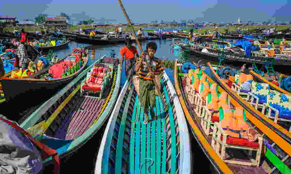 The floating market on Inle Lake (Shutterstock)