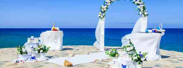 An abandoned wedding altar in Greece (Shutterstock)