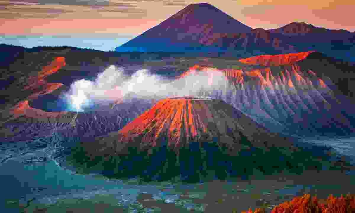 Sunrise over Mount Bromo (Shutterstock)