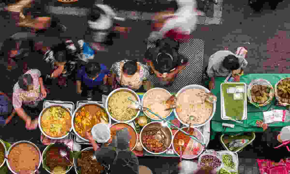 Street food in Bangkok (Shutterstock)
