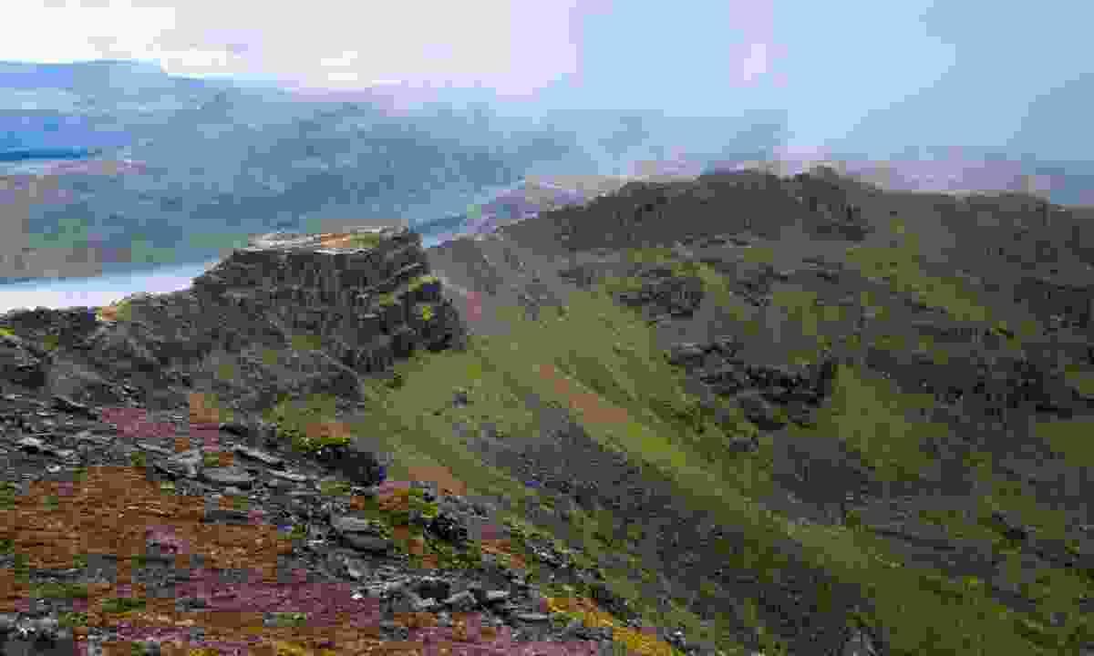 Mountain ridge in Fisherfield Forest (Dreamstime)