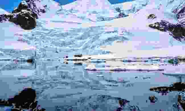 Paradise Harbor (Dreamstime)