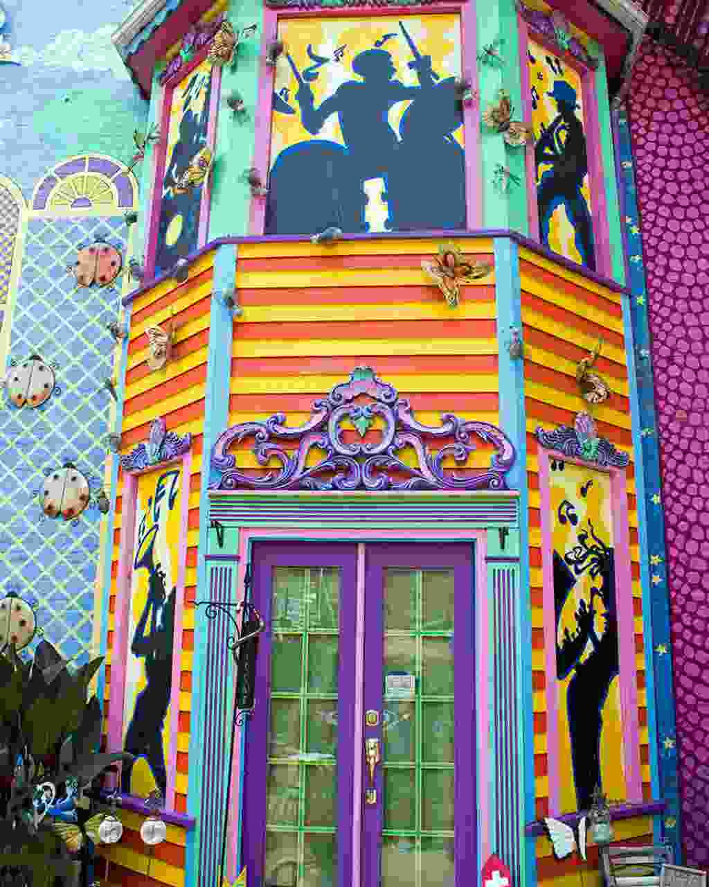 A colourful jazz-themed entrance to Randyland (Dreamstime)