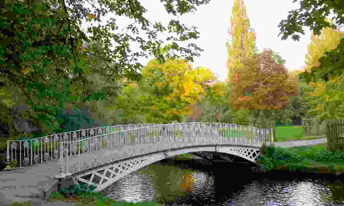 Iron bridge over River Wandle in Morden Hall Park (Dreamstime)