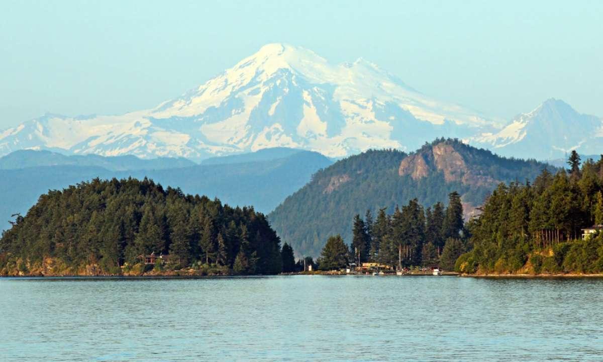 Mount Baker from the San Juan Islands (Shutterstock)