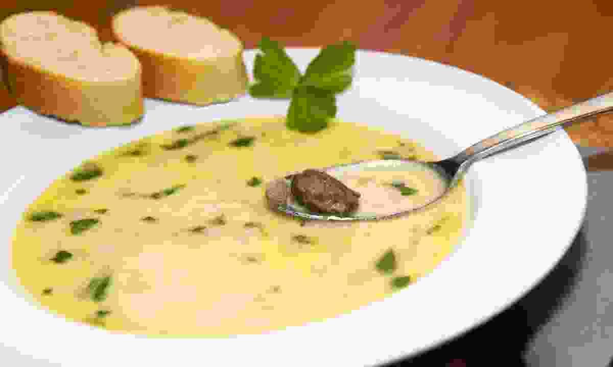 A bowl of snail soup (Shutterstock)