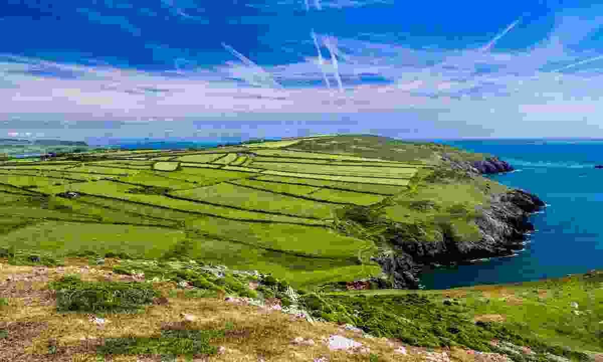 View of the coastal walk near Aberdaron (Shutterstock)