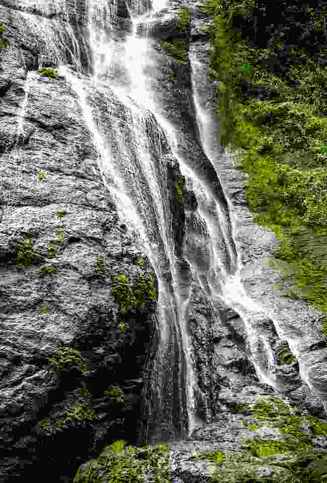 Kohina Waterfall (Mark Stratton)