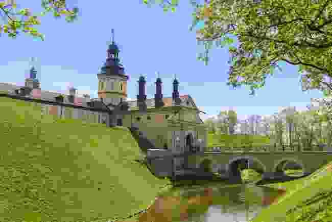 Nesvizh Castle and Fortress Bridge, Belarus (Shutterstock)